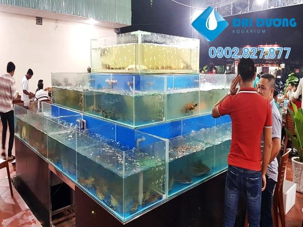 Dàn chứa hải sản nhà hàng phố biển 79