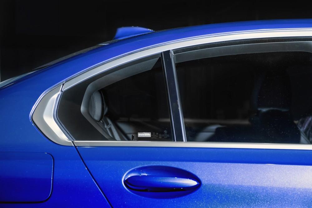 [新聞照片四] 全新世代BMW 3系列顯眼的Hofmeister Kinc C柱倒勾設計跳脫框架束縛