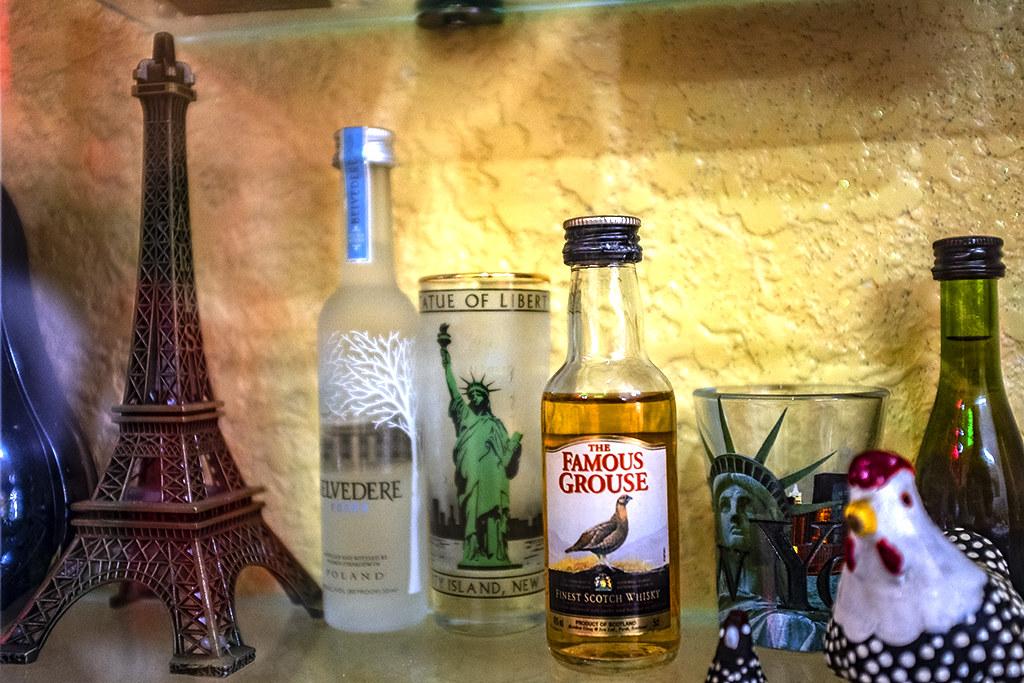 STATUE OF LIBERTY glass--Saigon