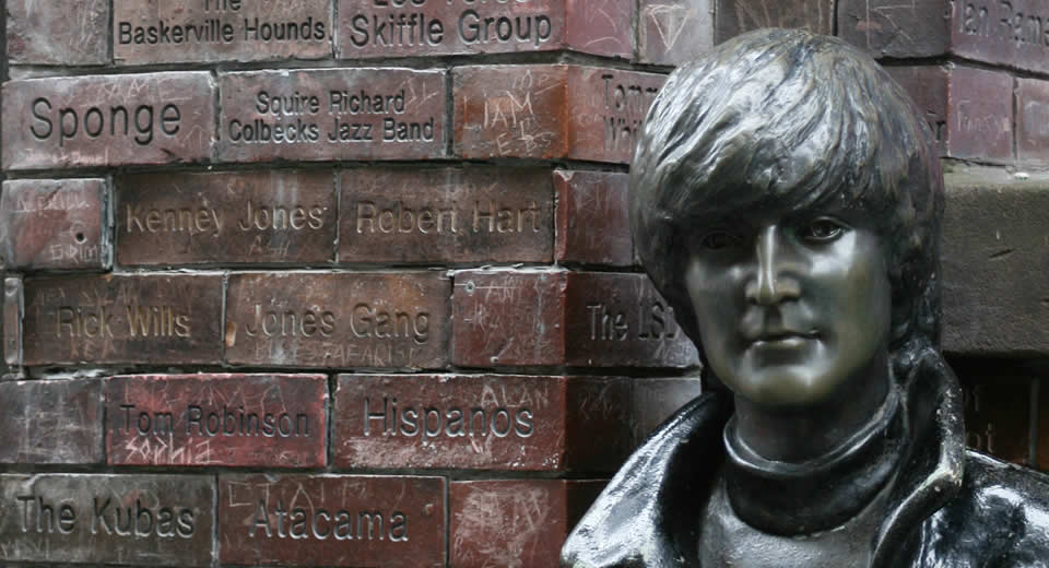 The Beatles Tour, Liverpool: Mathew Street, The Carvern Club | Mooistestedentrips.nl