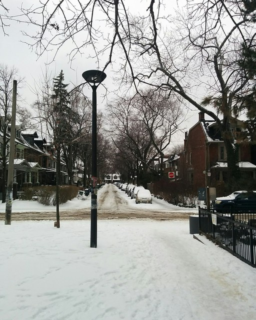 Looking west, Vermont Square #toronto #seatonvillage #vermontsquare #parks #winter #snow