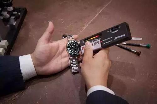 勞力士,勞力士真假,假錶,真錶,假機芯,機芯分辨,勞力士鑑定,ROLEX,蠔式錶殼,4130機芯,904L不銹鋼,錶鏡,