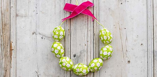 easter-egg-wreath-fts-900x444