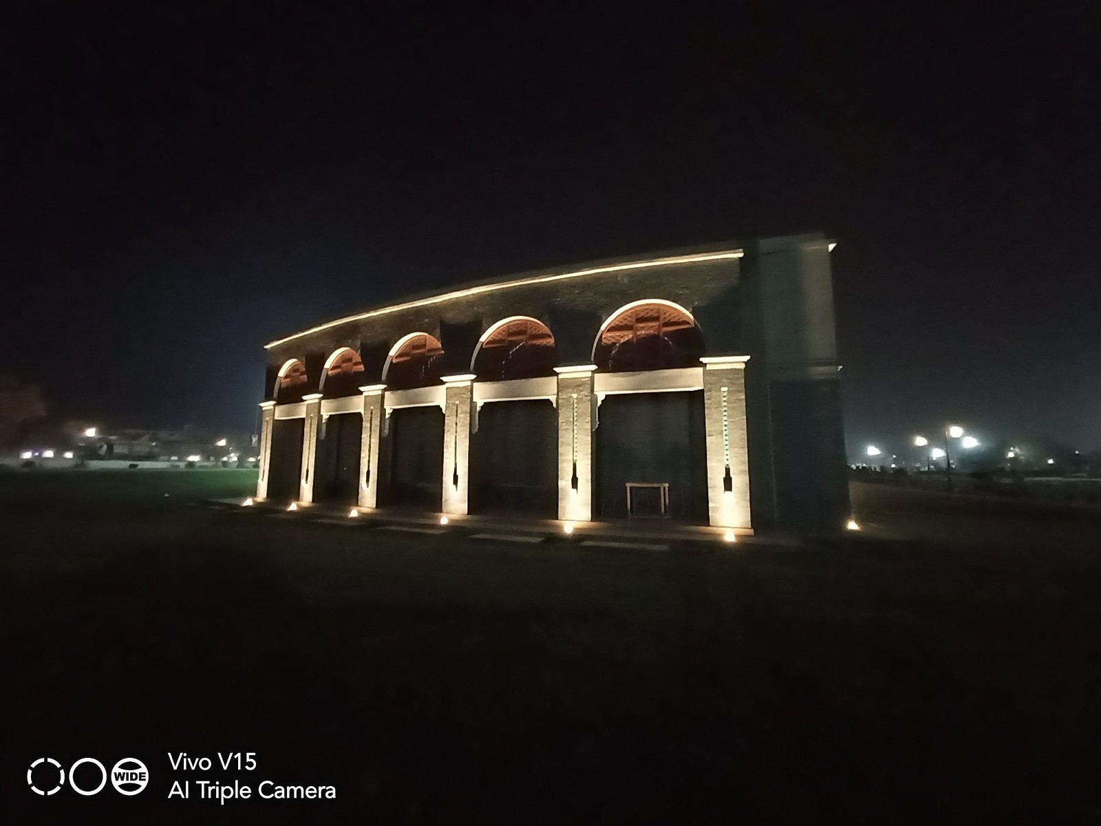 Picture at night with Wide Angle Lens on Vivo V15