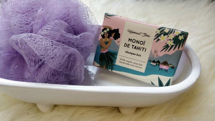 Ik testte een shampoo bar van Helemaal Shea in de geur Monoï de Tahiti