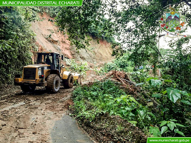 Trabajos de limpieza por derrumbes ocurridos en la zonal de Kiteni troncal margen izquierda Koshireni - Agua Dulce - Puente Kumpirushiato