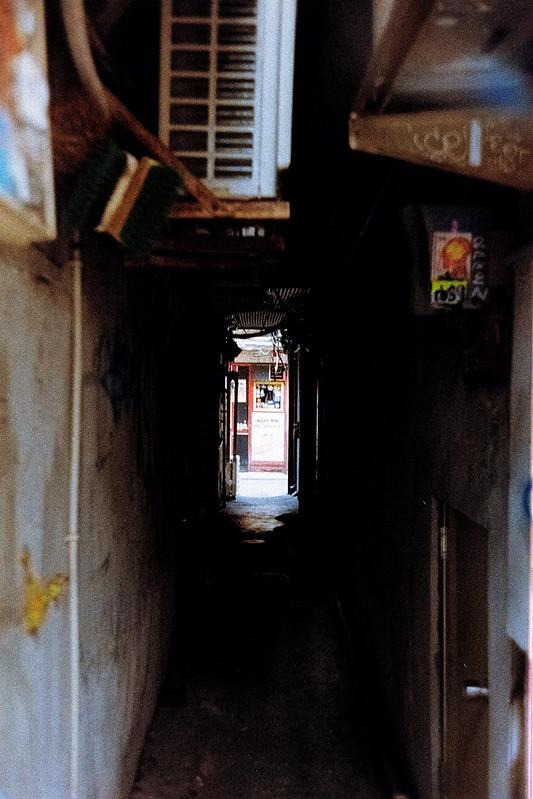 RAW現像 Leica M2+Jupiter 12 35mm f2 8+Kodak Ultramax400新宿ゴールデン街