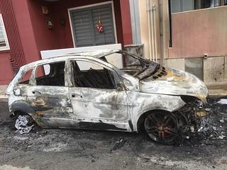 auto in fiamme stazione Turi