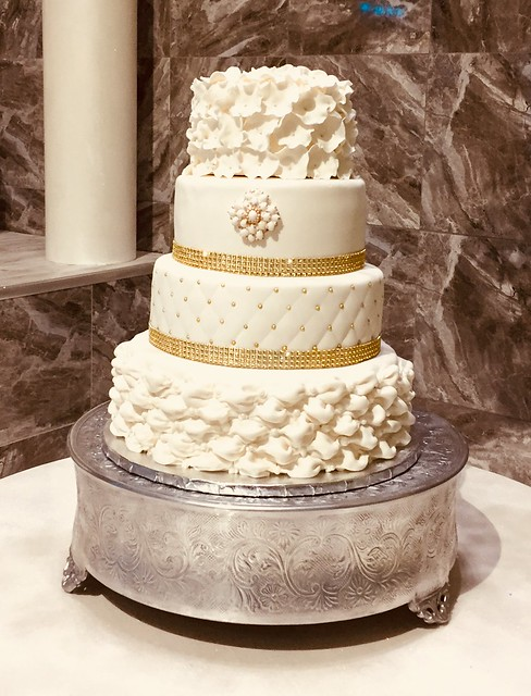 Cake by Clara Sweeting
