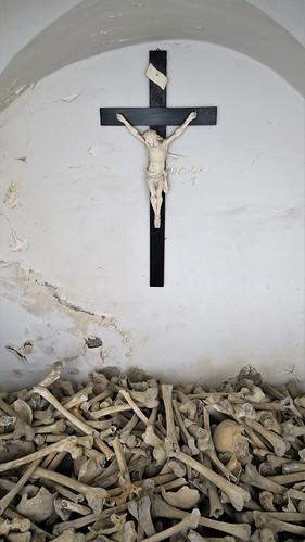 IMG_8895 ossuaire à Charmey