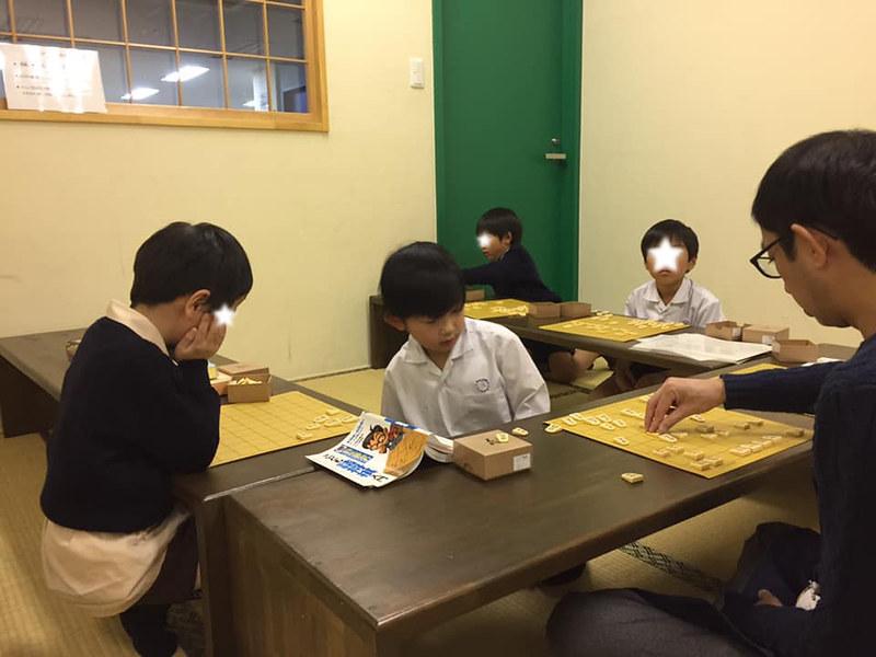 将棋教室で師範代、「天才」輝く瞬間!