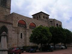 20080515 23398 0905 Jakobus Champdieu Kirche Turm Bögen