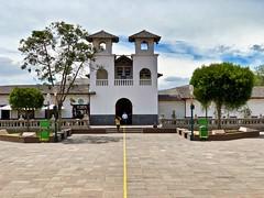 Plaza Central Mitad del Mundo