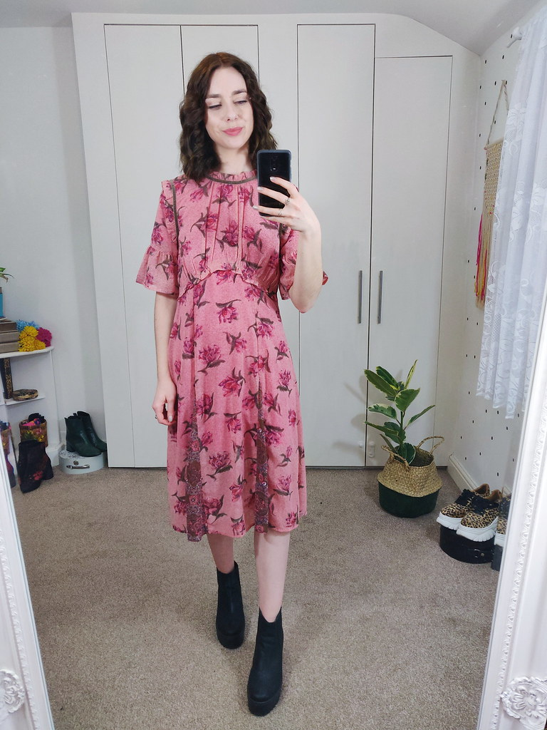 Floral Midi Dress and curly hair