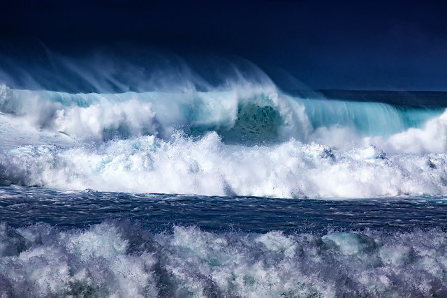 Incredible Hawaiian Waves