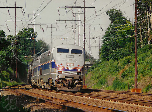 catenary amtrak ge p42dc crumlynne pennsylvania northeastcorridor nec electric passengertrain locomotive genesis amtk6