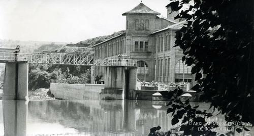 La blava 1960 amb la palanca construïda entre 1942 i 1945