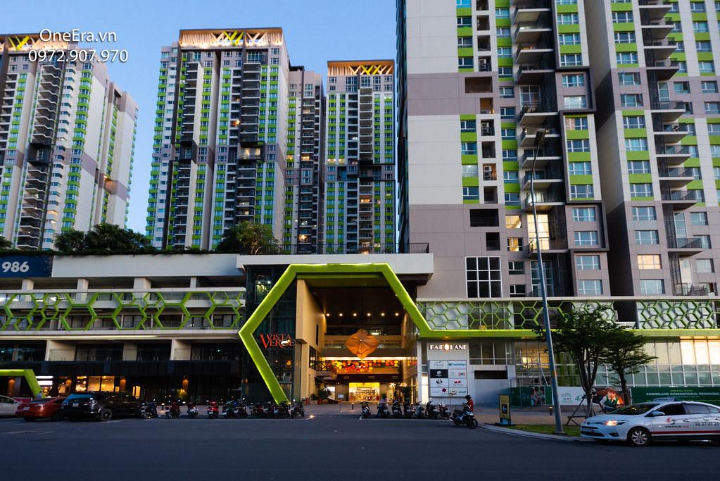 Ảnh thực tế khu căn hộ Vista Verde, tầng trệt là Shophouse 2