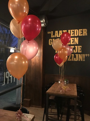 Tafeldecoratie 5ballonnen Brasserie Peppel Rotterdam