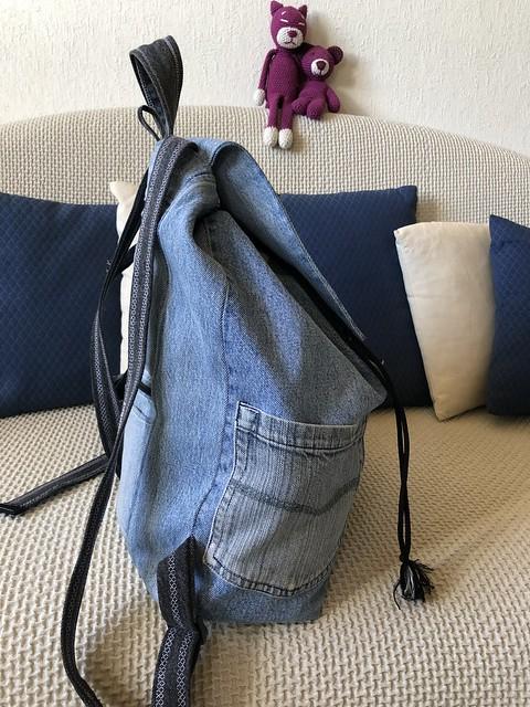 Sac à dos en jean recyclé - profil