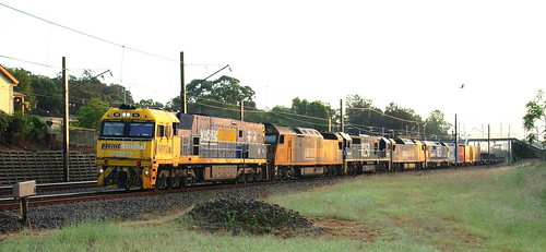NR112 + AN8 + 8250 + AN5 & 8175 P.N. 5NY3 STEEL TERALBA AT SUNRISE 4th April 2019.