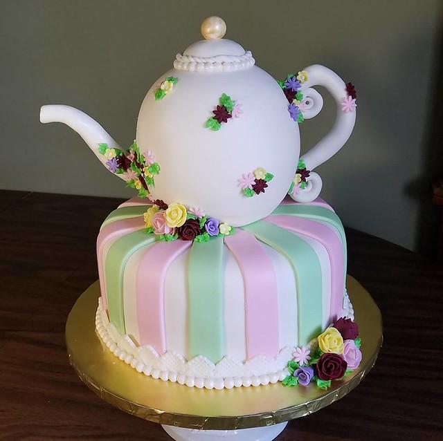 Cake by AmandaLand Cake Design