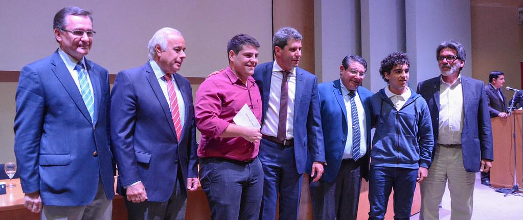 El gobernador Uñac entregó fondos a 14 escuelas técnicas