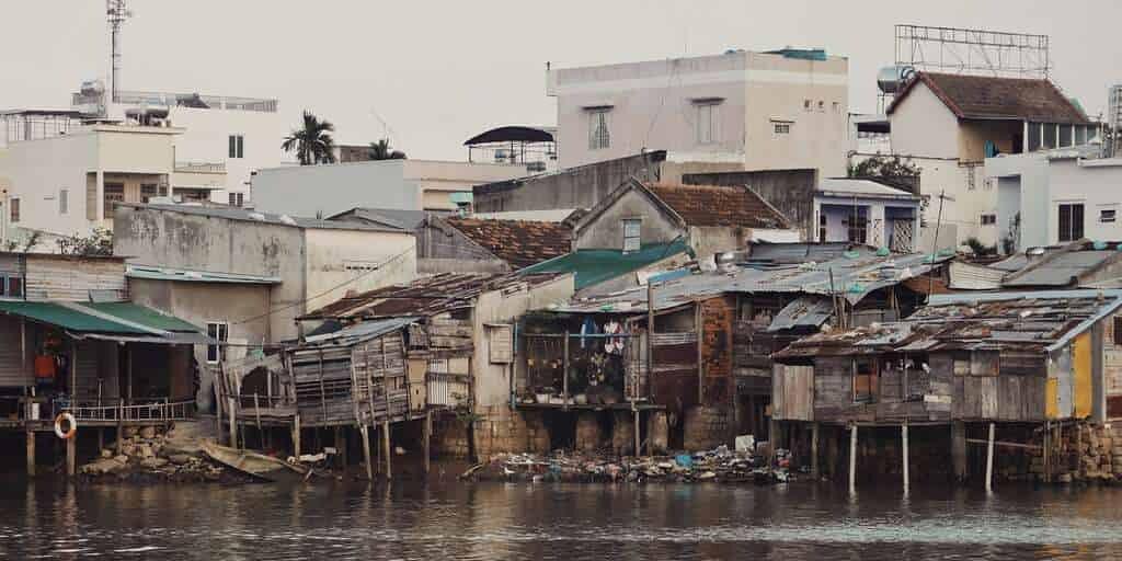 sida-village-pauvre