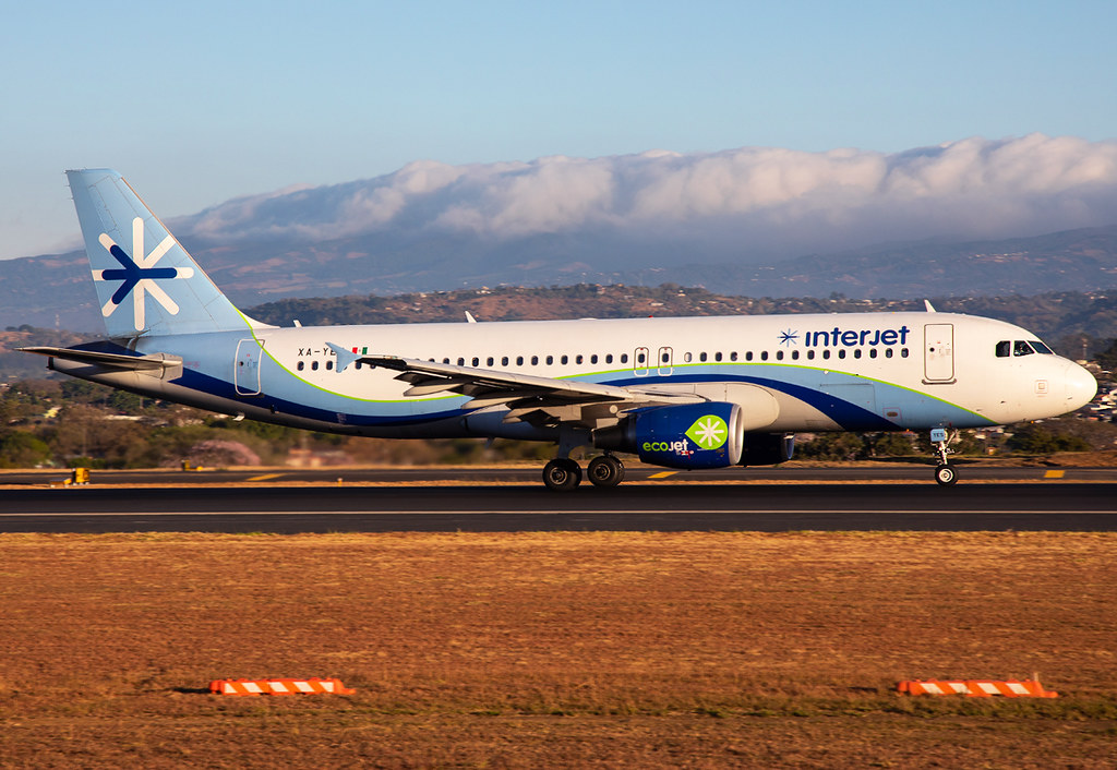 """Speeding up on RWY07 for departure to Mexico City MEX. """"Ecojet"""" Livery, delivered 11/2011."""