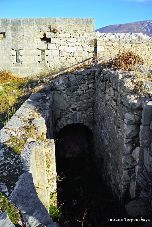 Постройки на верхнем уровне крепости Стоца