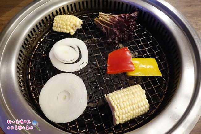 燒BAR 新竹燒肉吃到飽 干貝 菲力牛 松阪豬 手搖杯飲料無限暢飲 (56)
