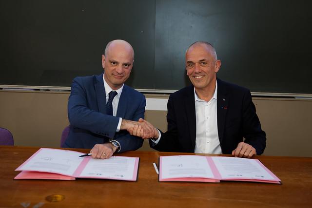 Formation des enseignants en mathématiques: signature d'une lettre d'intention avec le CNRS