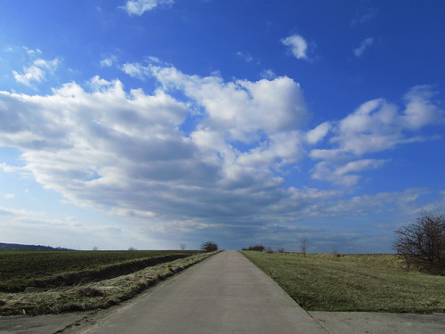 20110320 0207 299 Jakobus Weg Feld Weite Wolken
