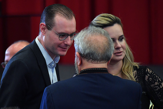 Cristiano Zanin and Valeska Martins, defense lawyers of Luiz Inácio Lula da Silva - Créditos: Nelson Almeida/AFP