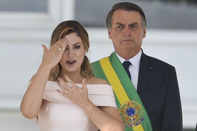 Bolsonaro disse que movimentação atípica na conta da esposa foi para quitar empréstimo - Créditos: Marcelo Camargo/Agência Brasil