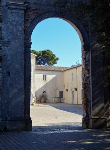 Arrivo al vecchio convento