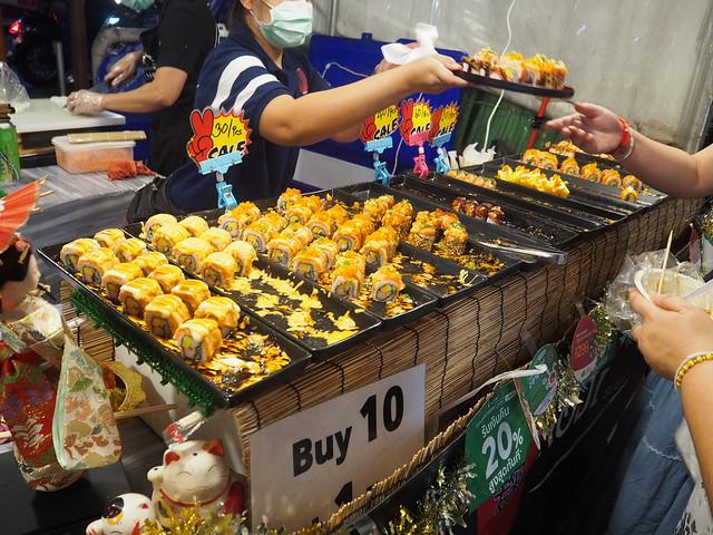P1010475 ตลาดนัดรถไฟรัชดา タラートロットファイラチャダー ナイトマーケット bangkok thailand nightmarket バンコク ひめごと
