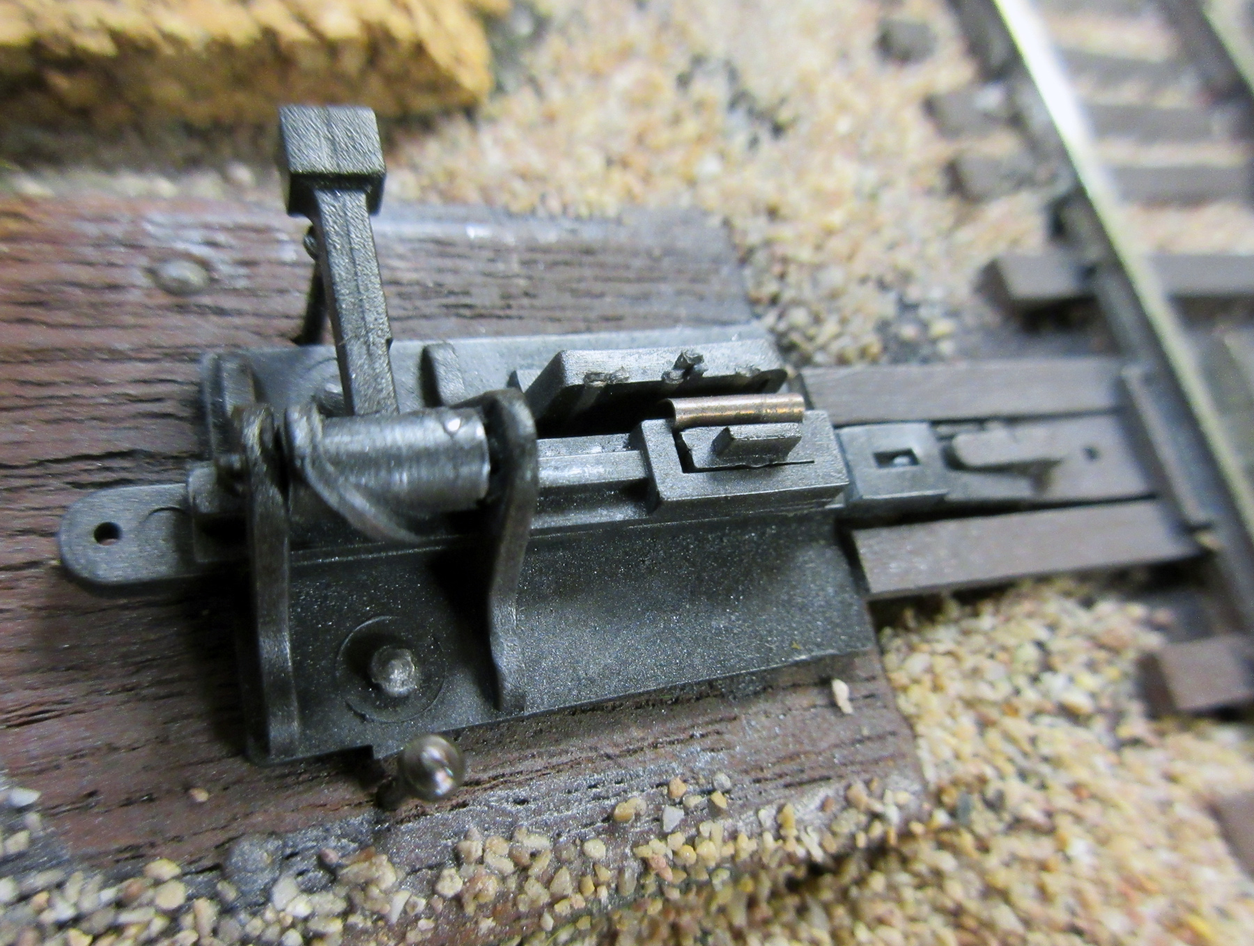 Ground Throw w// contacts Sprung Caboose Industries 220 HO Scale