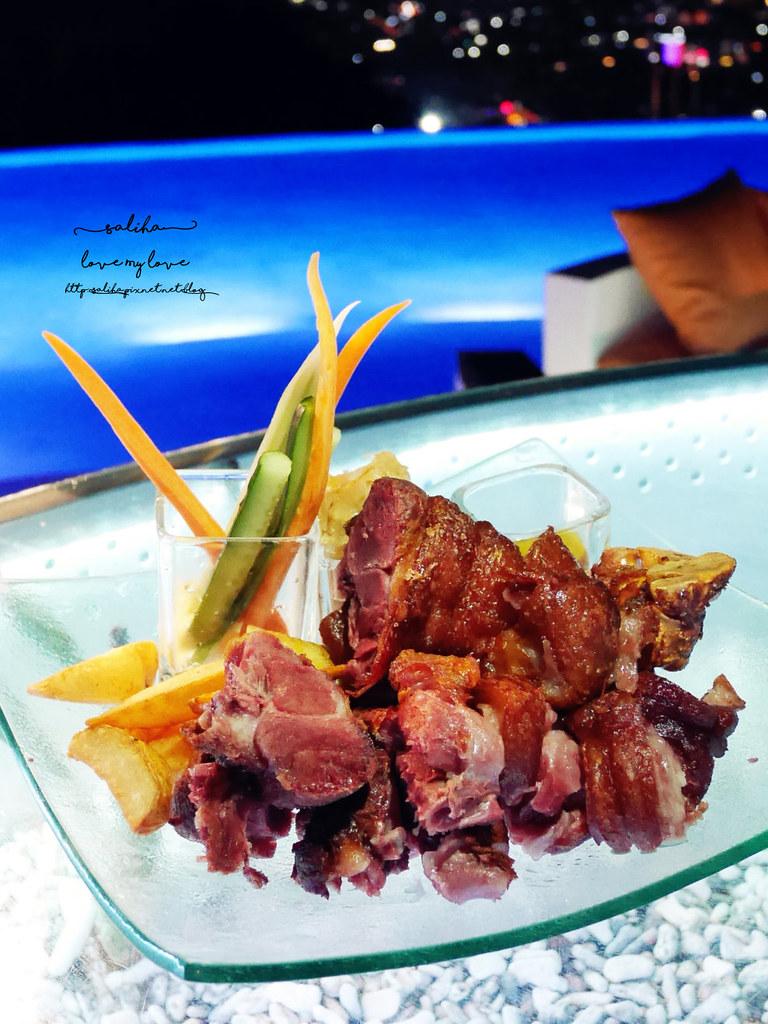 台北陽明山夜景景觀餐廳THETOP屋頂上池畔座位好吃餐點義大利麵牛排排餐德國豬腳推薦 (4)