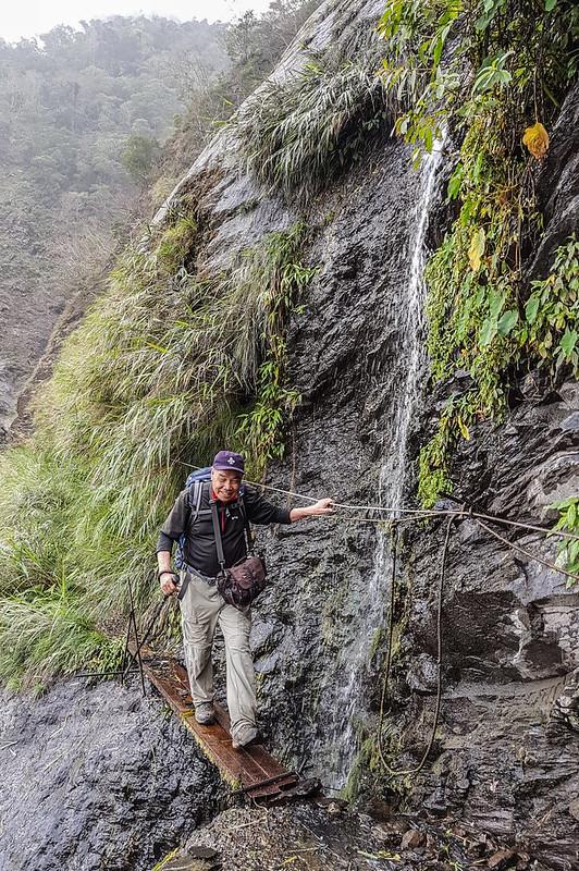 岩壁小瀑 (4)