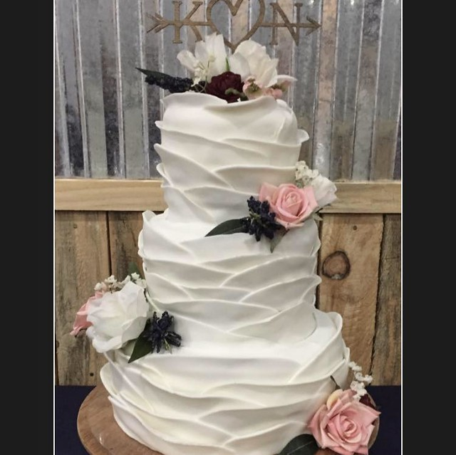 Cake by Candy Mack of Candy's Creations