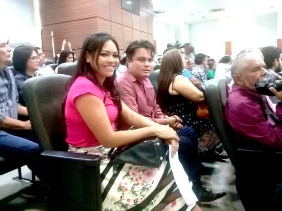 Prefeita nomeia esposa do nº 1 da Câmara para o cargo de secretária municipal de Faro, Jade e Josué, prefeita de direito e prefeito de fato de Faro