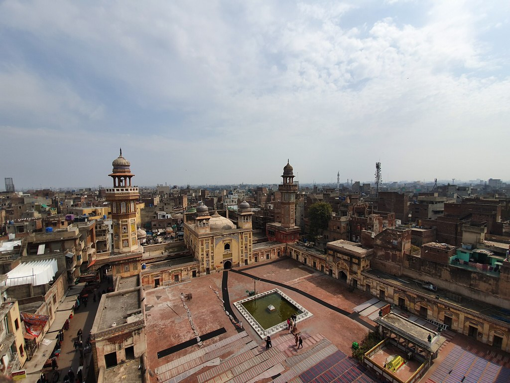Wazir Khan Mosque ultra wide angle mobile photography
