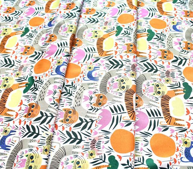Cloud9 Fabrics Wild 215401 Queen of Beasts