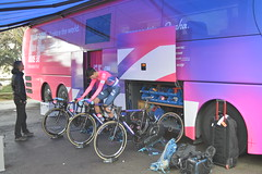 Bus EF Education First 2