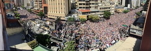 Oposición marcha en Caracas contra el Gobierno de Nicolás Maduro