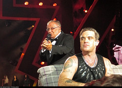 20170729_7 Robbie Williams & his dad at Tele2 Arena in Stockholm, Sweden