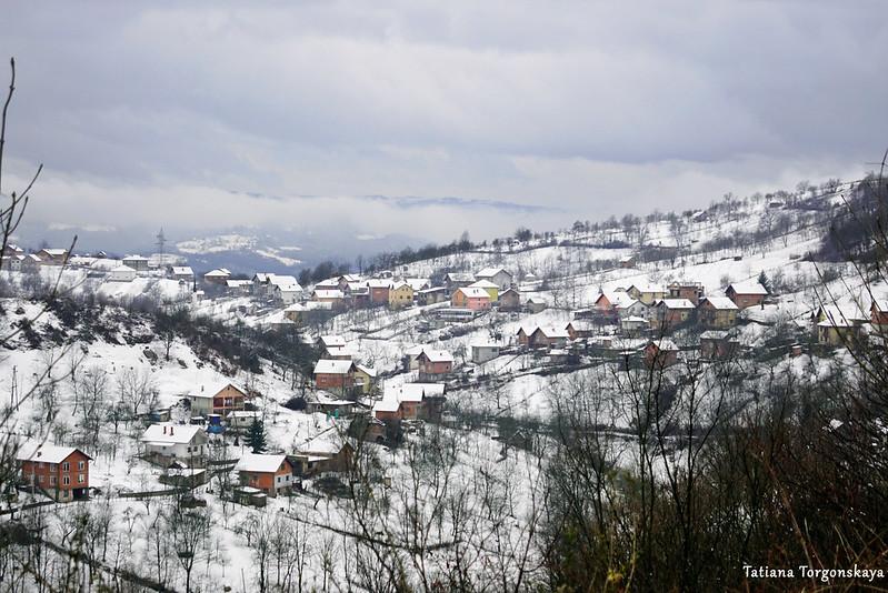 Дома на склоне горы