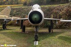 2718---662718---Polish-Air-Force---Mikoyan-Gurevich-MiG-21U-600---Savigny-les-Beaune---181011---Steven-Gray---IMG_5620-watermarked