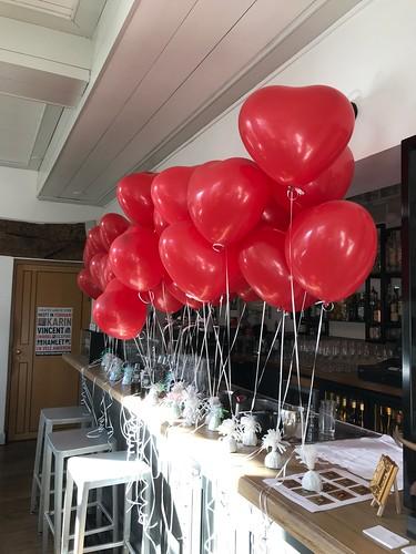 Tafeldecoratie 2ballonnen Hartballonnen Valentijnsdag Brasserie Stadhuis Schiedam